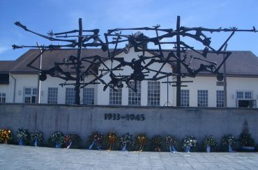 Відвідування концтабору може стати обов'язковим для всіх в Німеччині