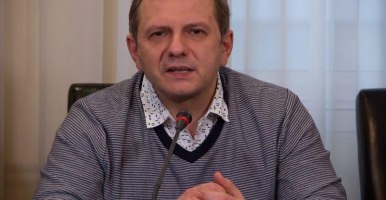 Надія України – в її неефективності, – Олег Устенко