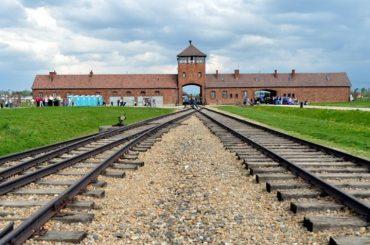 Польська опозиція заявила, що закон про Голокост – це дипломатична катастрофа