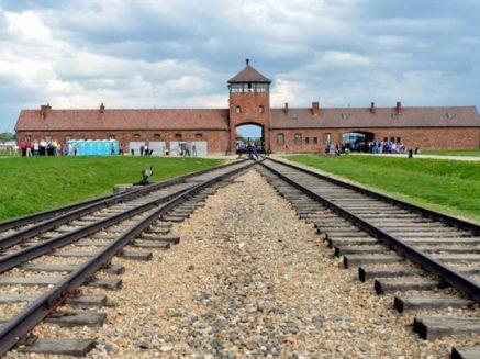 Польская оппозиция заявила, что закон о Холокосте – это дипломатическая катастрофа